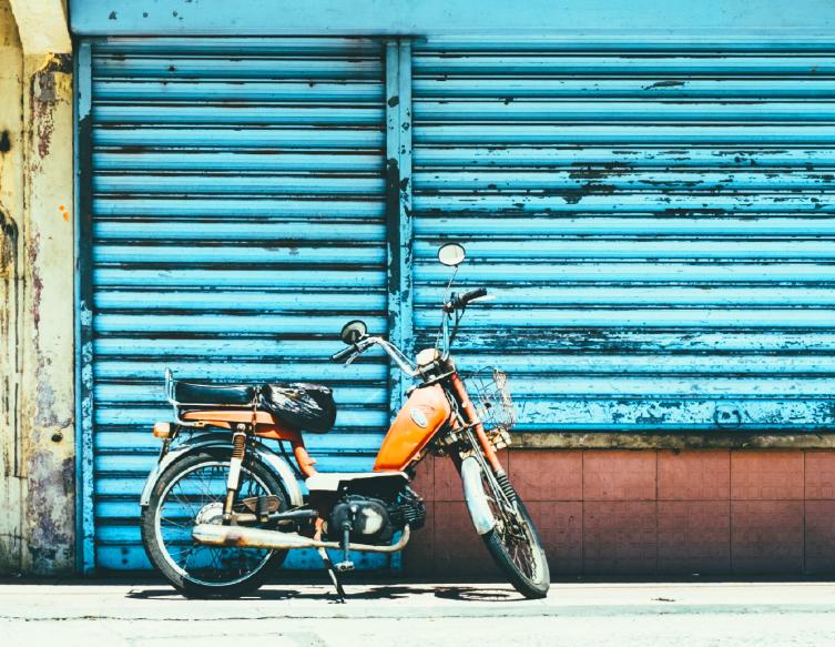 Bright&Bold_Phone_Work_ZoliZoli_Bike